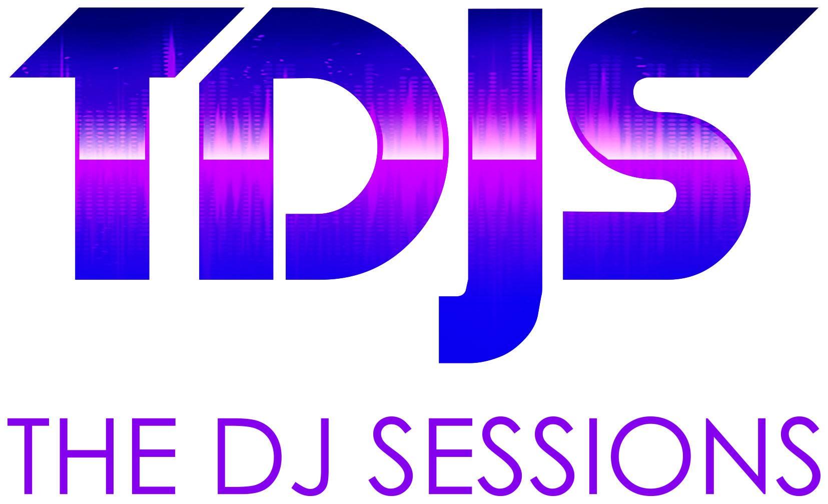 Julie Herrera, David Lowe, Vagabond Superstar & Trinitron/DJ SESSIONS on the Wave Rooftop [FREE]